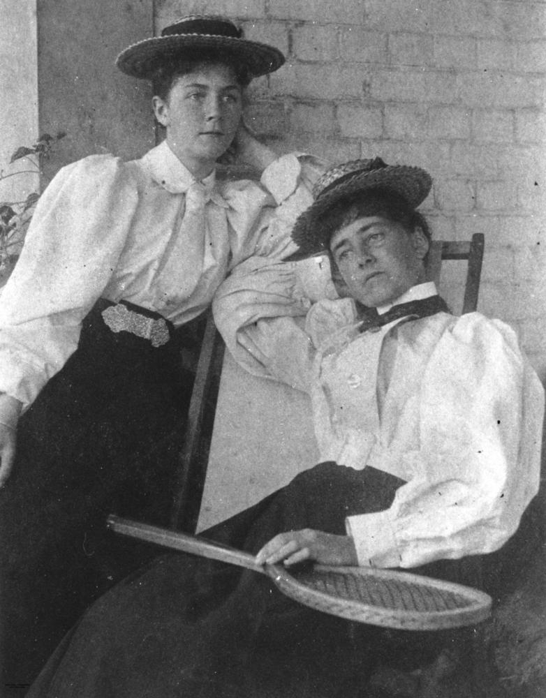 Two_women_dressed_for_a_game_of_tennis,_1890-1900_(6894955048)