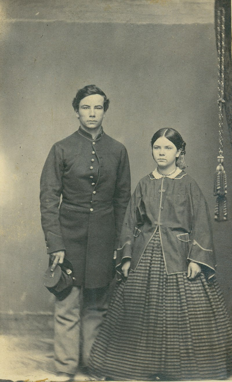 800px-Unidentified_Union_soldier_and_woman