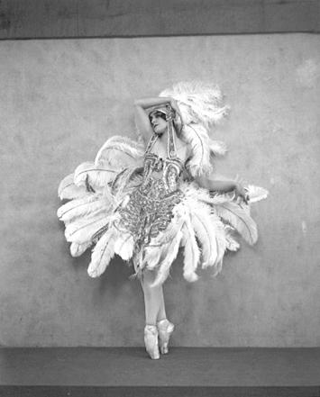 Vera_Fokina_The_Firebird_1910