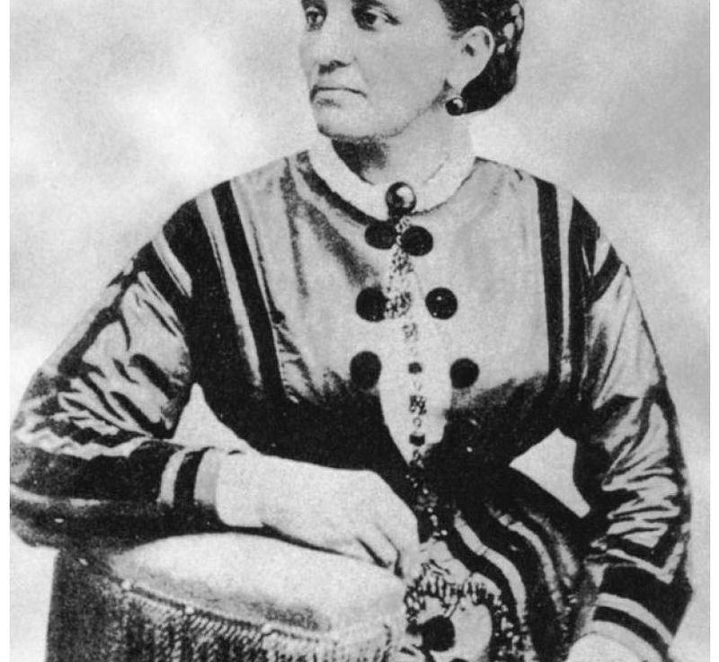 Elizabeth Keckley: White House Dressmaker and First LadyConfidante